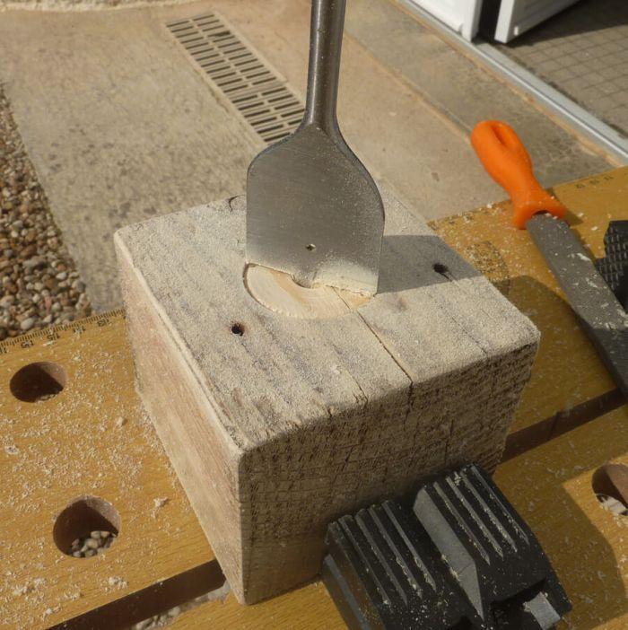 Fabriquer un bougeoir en bois bricolage shevarezo blog for Poncer porte bois