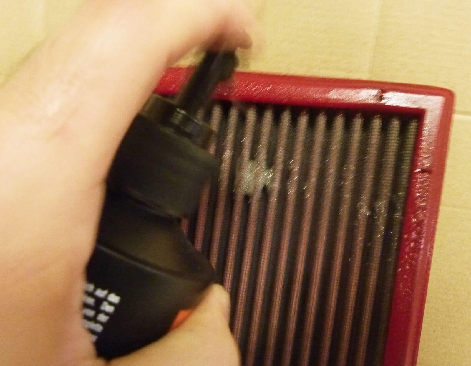 nettoyer un filtre air avec le nettoyant k n voiture shevarezo blog. Black Bedroom Furniture Sets. Home Design Ideas